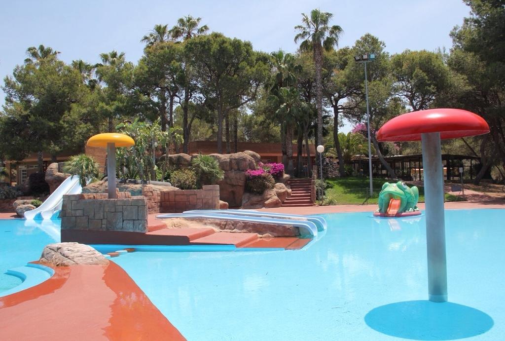 Combate el calor refresc ndote en la piscina parc vedat for Piscina de aldaia