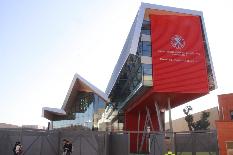 La universidad cat lica en torrent se ampl a con for Universidad de valencia online