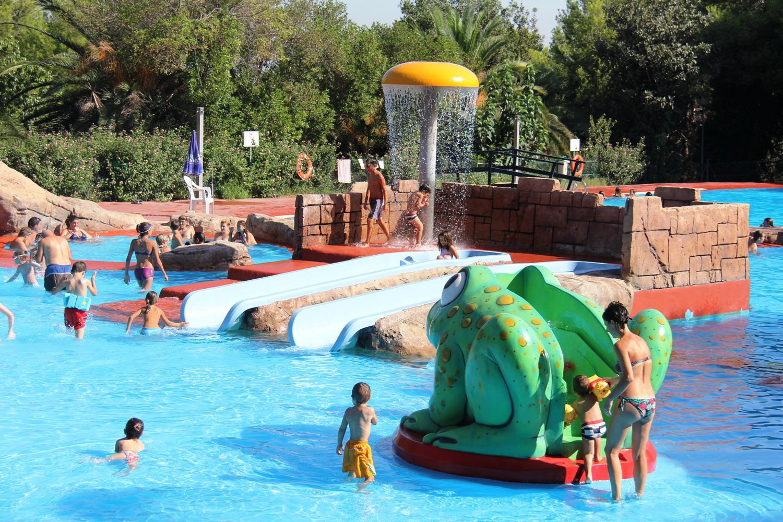 Este s bado abre la piscina municipal parc vedat hasta el for Piscina 7 de agosto