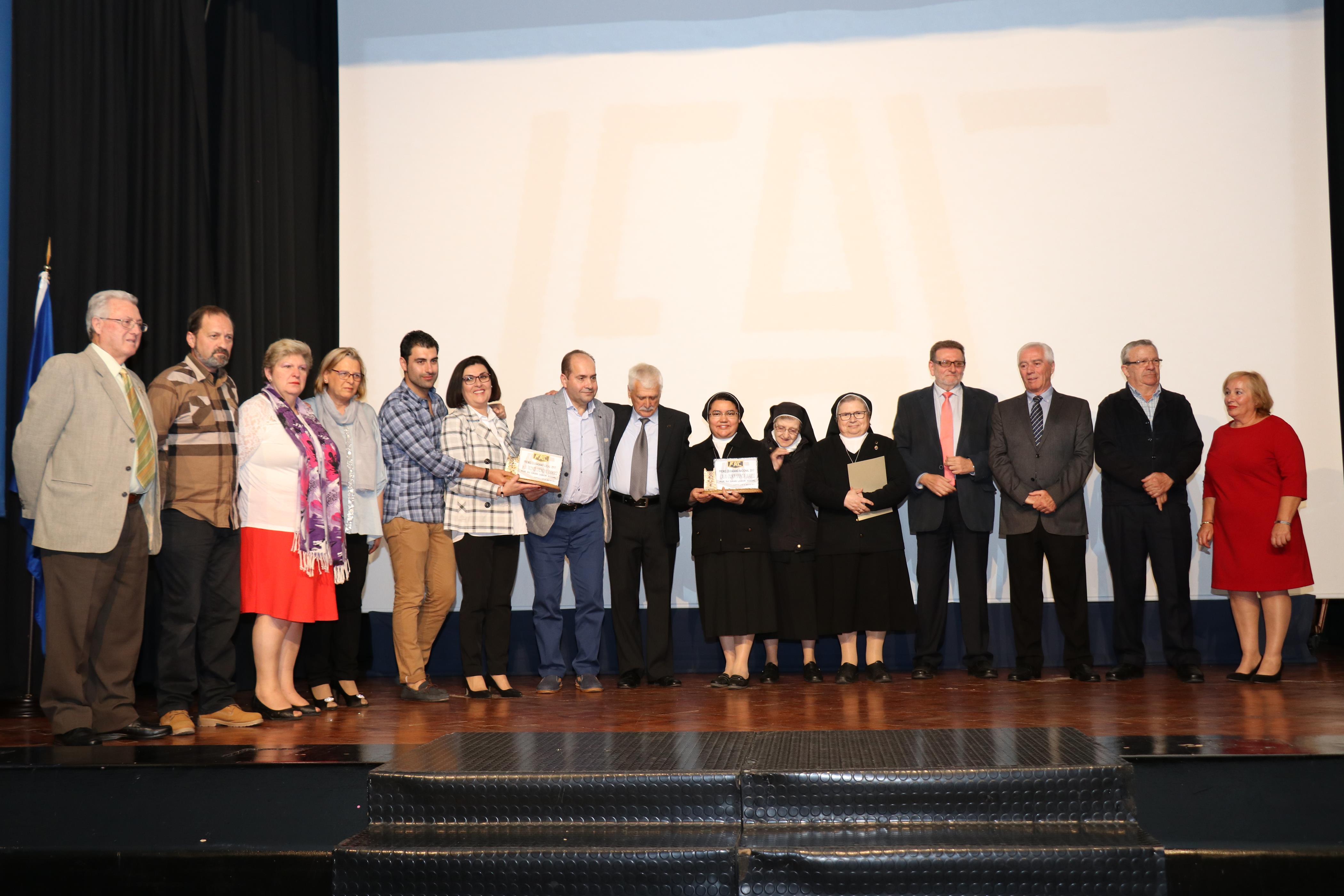 La fac premia el trabajo y la solidaridad en los premios ciudadano 2017 torrent al d a - Canciones de cuna torrent ...